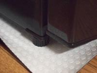 冷蔵庫の下に養生シート